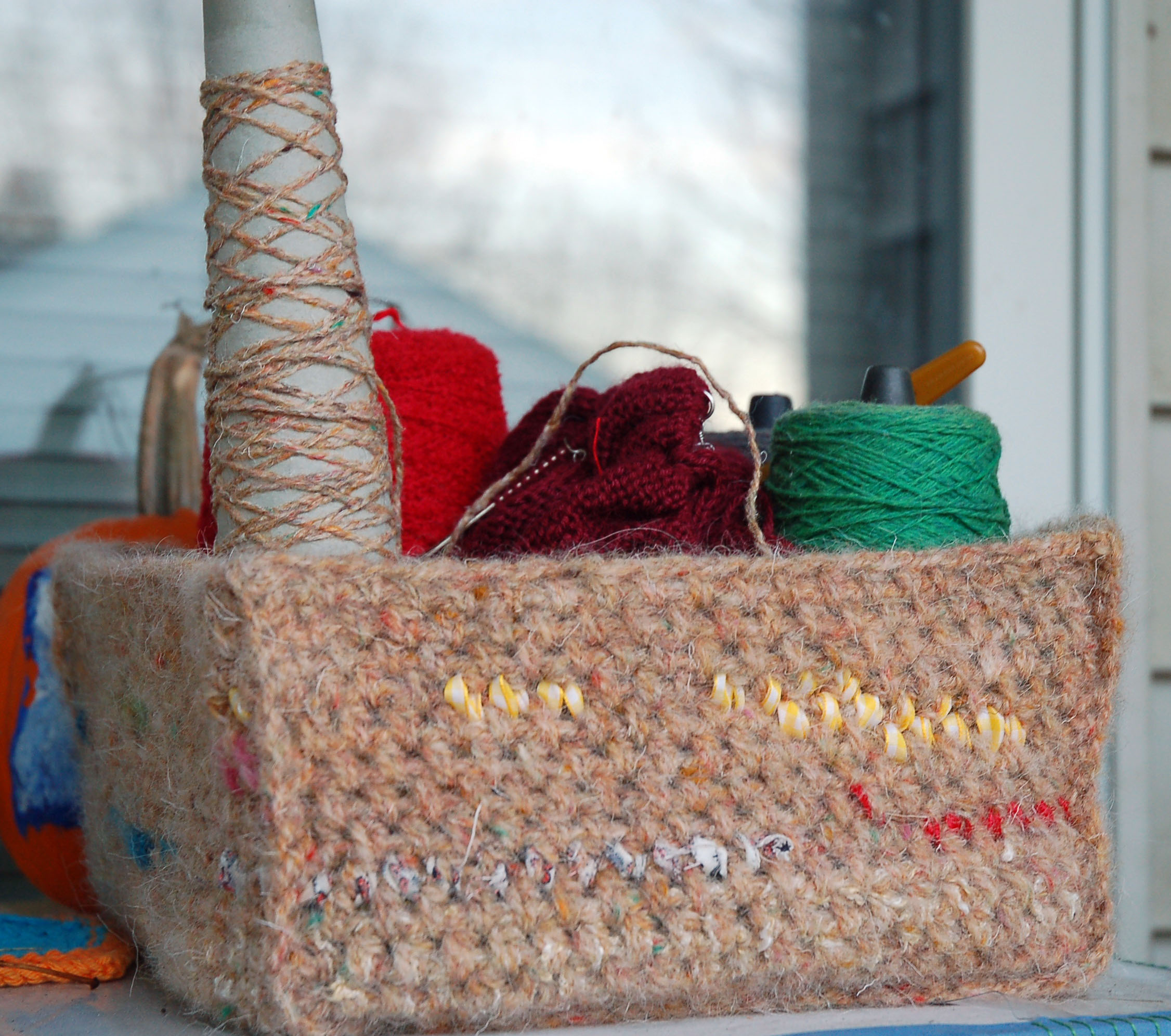 Free Crochet Scrap Basket Pattern | Organize Your Leftovers With Craft Scraps