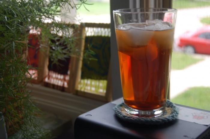 Crochet Sun Tea Spot: Free Coaster Pattern